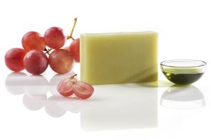 """mydło """"czarodziejski ogród"""" z olejem z pestek winogron - polecamy manna"""