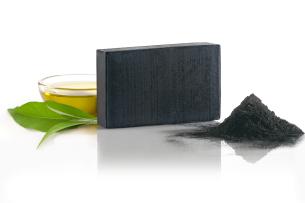 mydło kamforowe do mycia twarzy z węglem aktywnym - polecamy manna