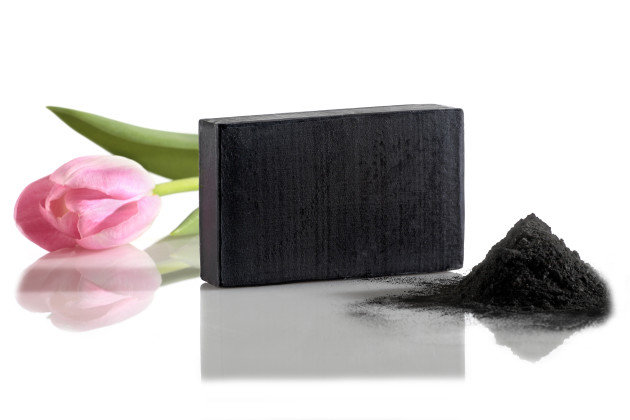 facial cleansing soap with activated carbon - manna